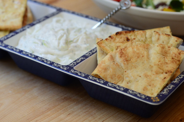 Toasted Pitas with Tzatziki Sauce-081.jpg
