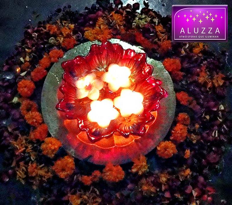 vela flotante en forma de flor para centro de mesa aluzza