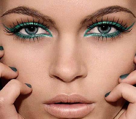 Colored Eyeliner Look