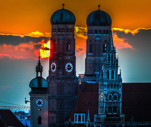 old city our sunset orange sun building tower clock church st lady germany munich münchen bayern deutschland bavaria lights hotel evening town hall europe with view cathedral cityhall room towers kirche chapel clocktower german dome government townhall onion dear peters rathaus turm altstadt oldtown frauenkirche oldcity deutsch neues kirke kapelle peterskirche mygearandme blinkagain ilobsterit