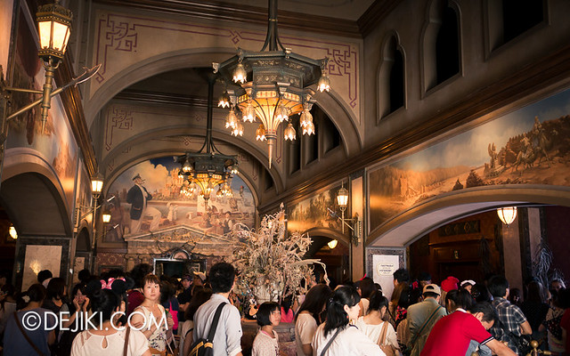 Tokyo DisneySea - Tower of Terror / The Grand Lobby