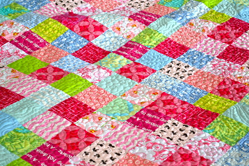 Blackberry Winter Blossom Quilt - quilting textre
