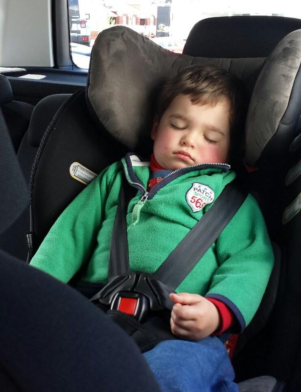 Eskil fell asleep while we test drove the Skoda Yeti