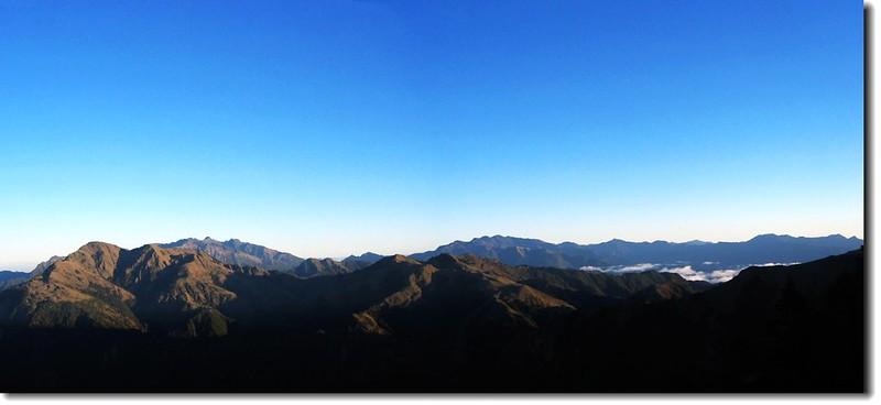 南二、馬博群峰(From 向陽三叉步道北望) 1