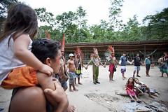 20111112_BARBARA VEIGA_AMAZONIA_ACRE_CENTRO KUNTAMANA_TRIBO KUNTANAWA E OUTRAS LIDERANCAS CANTANDO E CIRCULO NO TERRERAO_1714