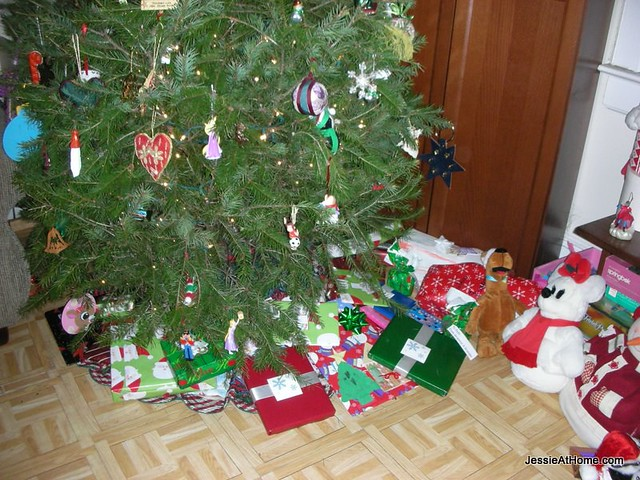 The-tree-is-overflowing