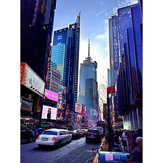 #iphone5s #apple #like #nice #New_york #nyc #buildings #high #people #instagramqatar #qatarlens #instagramksa #cmrah #wejhat #seemyalbum #nice_photooo #wu_caribbean #kaplanexperience #amazingviews2013