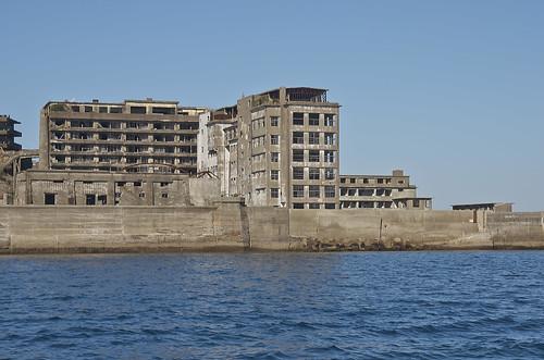 【写真】離島めぐり : 軍艦島遠景・往路
