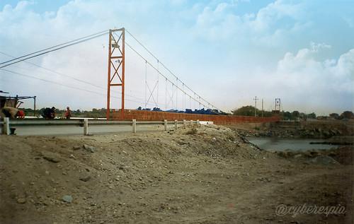 Puente colgante de Reque