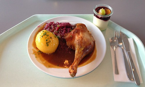 Entenkeule mit Blaukraut & Kartoffelknödel / Duck leg with red cabbage & potato dumpling
