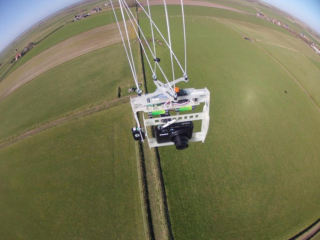 KAP rig in flight, Hoge Berg, Texel