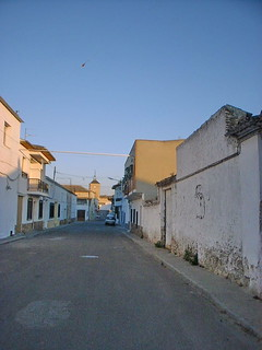 Noblejas, vista de la Calle Mayor, al fondo Ermita de María Magdalena