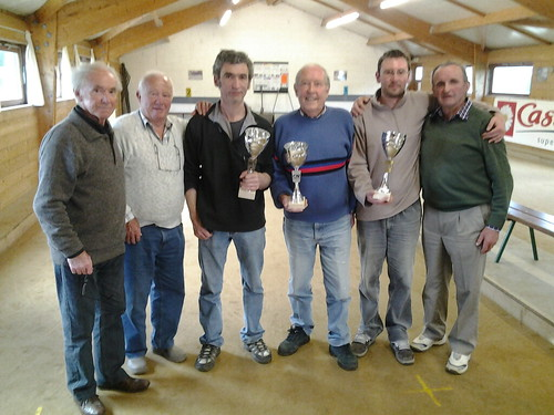 17/05/2014 - Plougasnou : Les finalistes du concours de boules plombées en triplettes mêlées