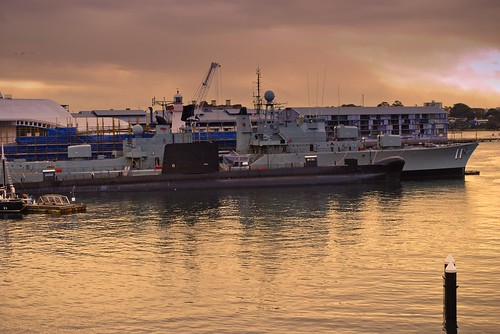 HMAS Vampire and Onslow at the MAritime Museum