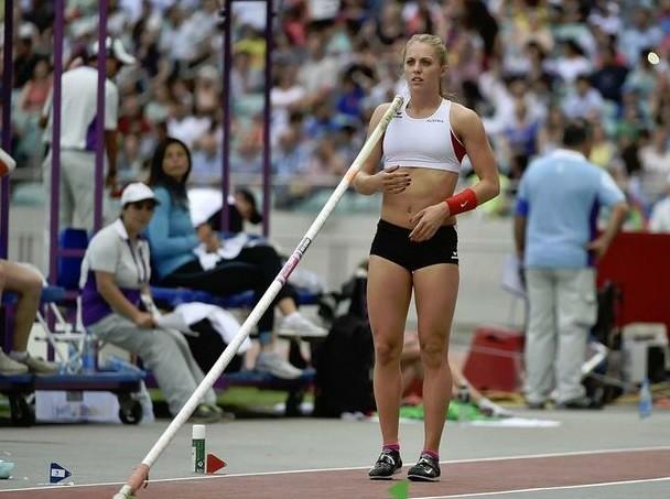 Atleta austriaca queda tetrapléjica tras golpe en salto con pértiga