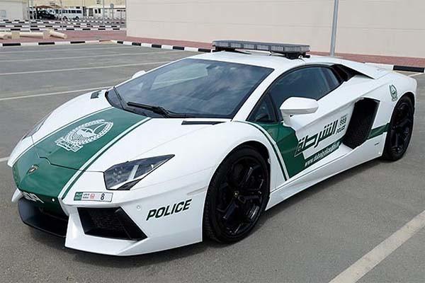 """Policia de Dubai recibe flota de """"superpatrullas"""""""