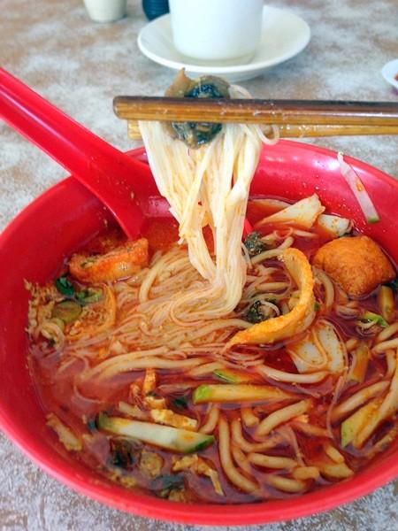 juat lye Melaka - good curry laksa-004