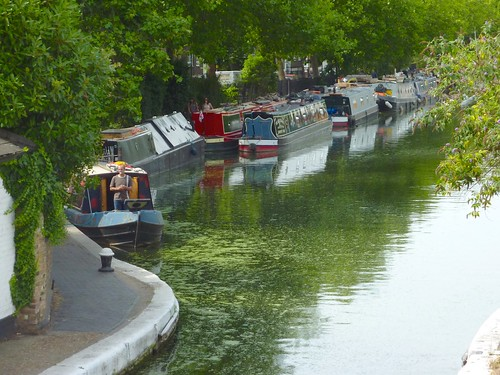 Grand Union Canal from the bridge width=