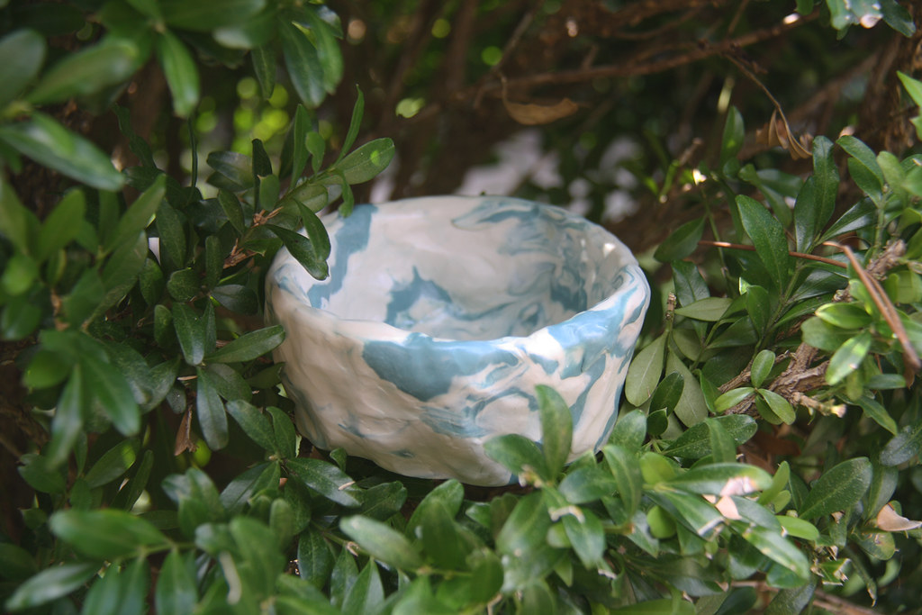 weekend diy: clay pinch pot
