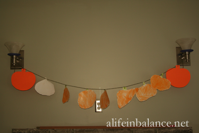 Fall Crafts For Kids: Fall Pumpkin Garland