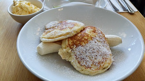 Breakfast at Bills: Ricotta Hotcake with Honeycomb Butter & Banana