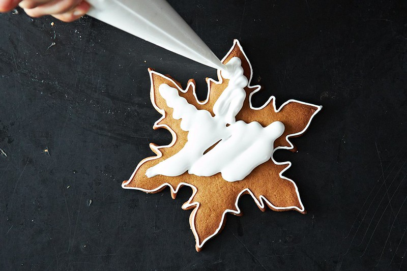 Flood royal icing from Food52