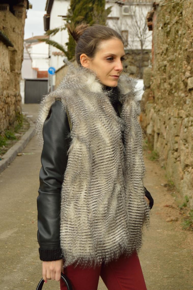 lara-vazquez-madlula-blog-winter-fashion-style-faux-fur-vest