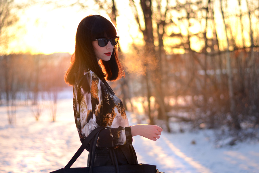 Fabros bag Mango shirt Zara shorts Topshop boots snow sunset CATS & DOGS fashion blog Berlin 5