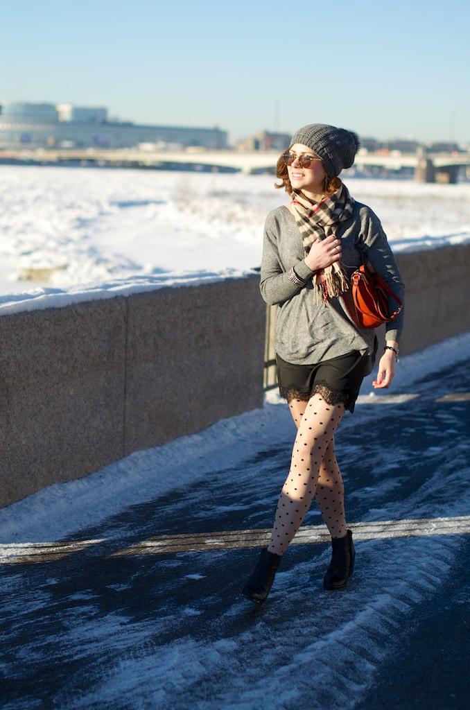LIP_lifeinpolkadotcom_lifeinpolka_aksinia_aksinias_photoshoot_polka_dot_streetstyle_sun_and_snow_5