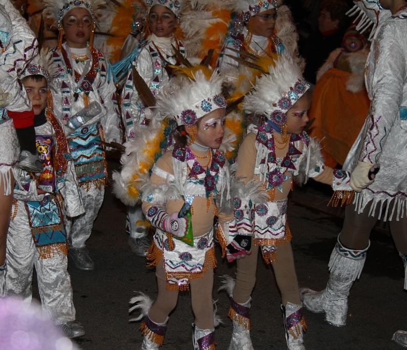 Los pequeños del desfile. Autor, Jose Gonzalvo