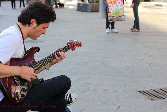 Milan street musician by Chic n Cheap Living