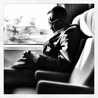 Un jour Mr X s'endormit dans le train... | by akynou
