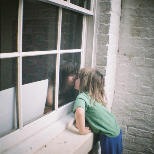Window Kiss
