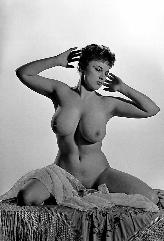 naked-girl-burnett-nude-girlfriend
