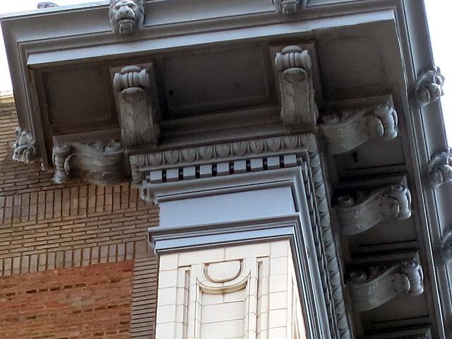 IMG_2292-2013-07-18-Cornice-Lions-Winecoff-Hotel-now-Ellis-Hotel-Atlanta