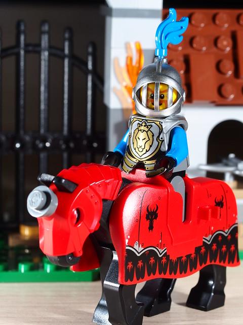 P9085178 LEGO 70402