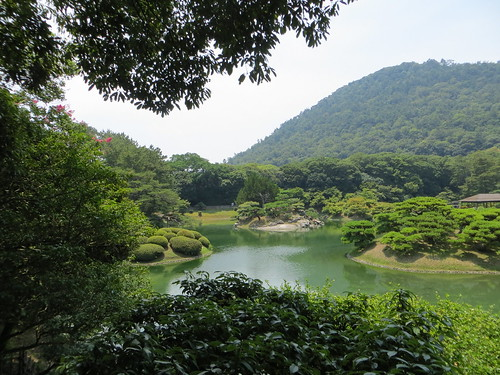 mountain lake japan garden landscape takamatsu 南湖 ritsurinpark 高松 栗林 hiengan shiunzan