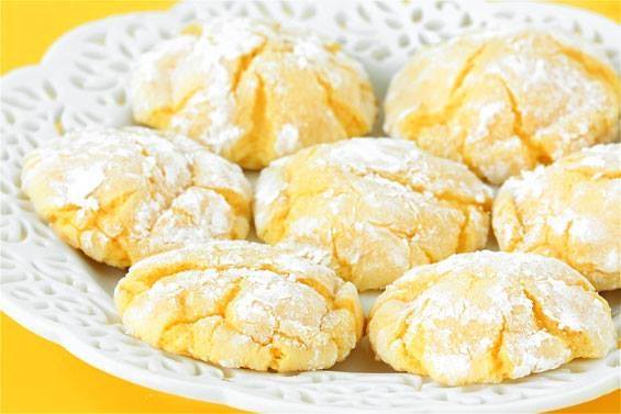 Easy Lemon Cookies: So quick and simple to make! And delicious! See ...