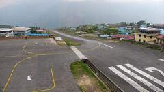 Pas startowy lotniska w Lukla 2840m