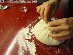 ©Kugel formen Naht oben bran-encrusted bread
