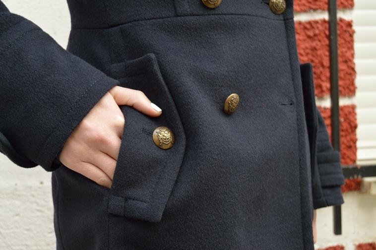 lara-vazquez-madlula-coat-details-pocket
