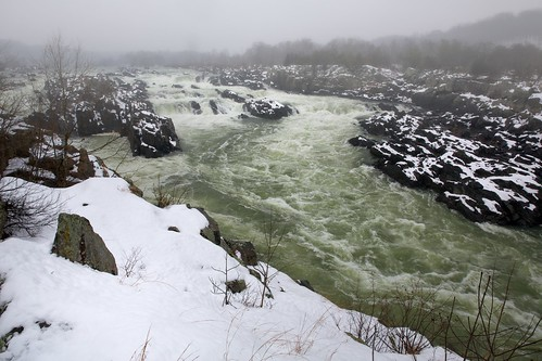 winter snow water river virginia washingtondc greatfalls waterfalls potomac snowing