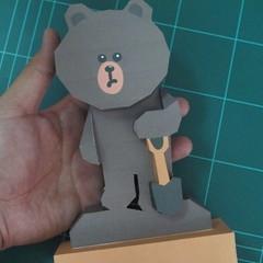 วิธีทำโมเดลกระดาษ ตุ้กตาไลน์ หมีบราวน์ ถือพลั่ว (Line Brown Bear With Shovel Papercraft Model -「シャベル」と「ブラウン」) 029