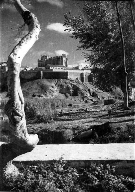 Ribera del Tajo  en 1935. Fotografía Josep Gaspar i Serra © Arxiu Nacional de Catalunya. Signatura ANC1-23-N-1541