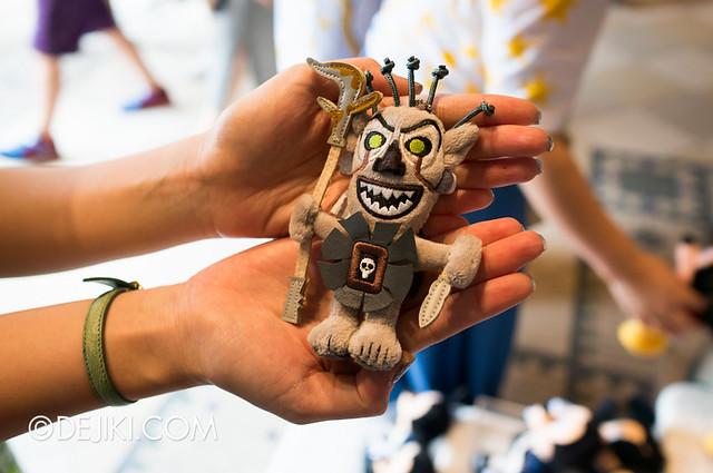 Tokyo DisneySea - Tower of Terror shop / Shiriki Utundu keychain