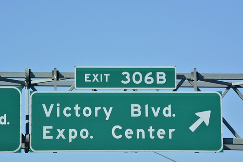 Road Sign - Victory Blvd. - DSC2554
