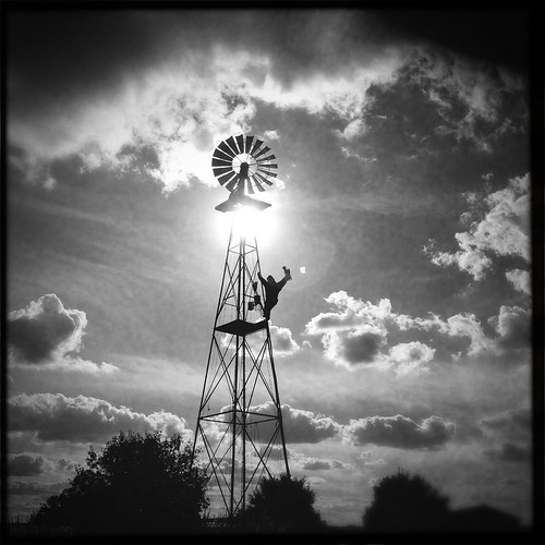 bw fall windmill silhouette festival va dcist kingkong centreville hcs coxfarms iphoneography hipstamatic blackeyssupergrainfilm flipmode79 americanalens exposeddc