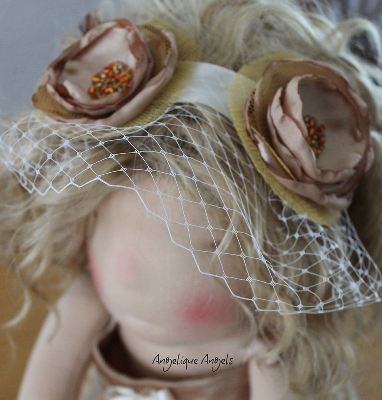 Gold Dolly-sized Fascinator