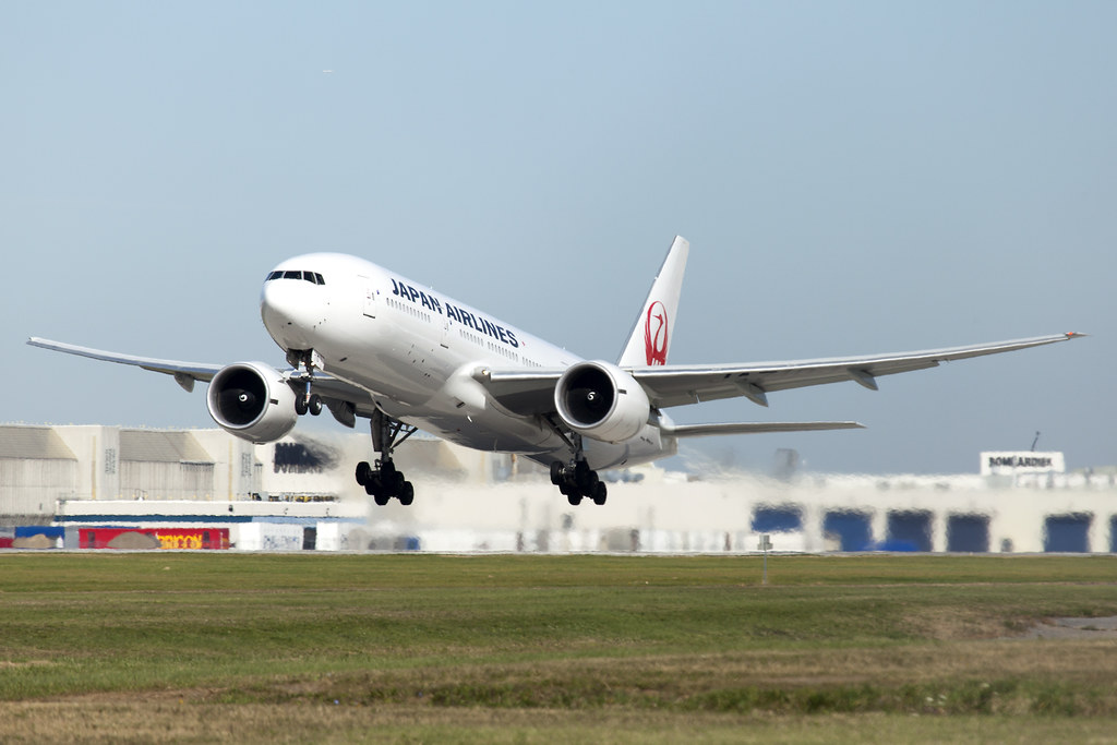 Japan Airlines Boeing 777-200ER JA710J