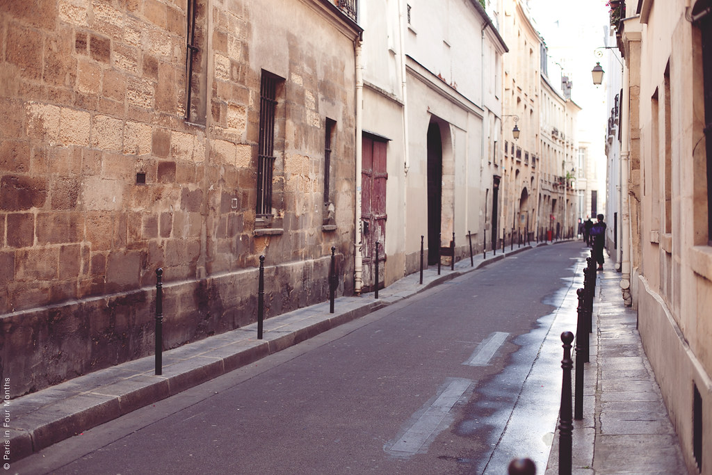 Walking around the Marais
